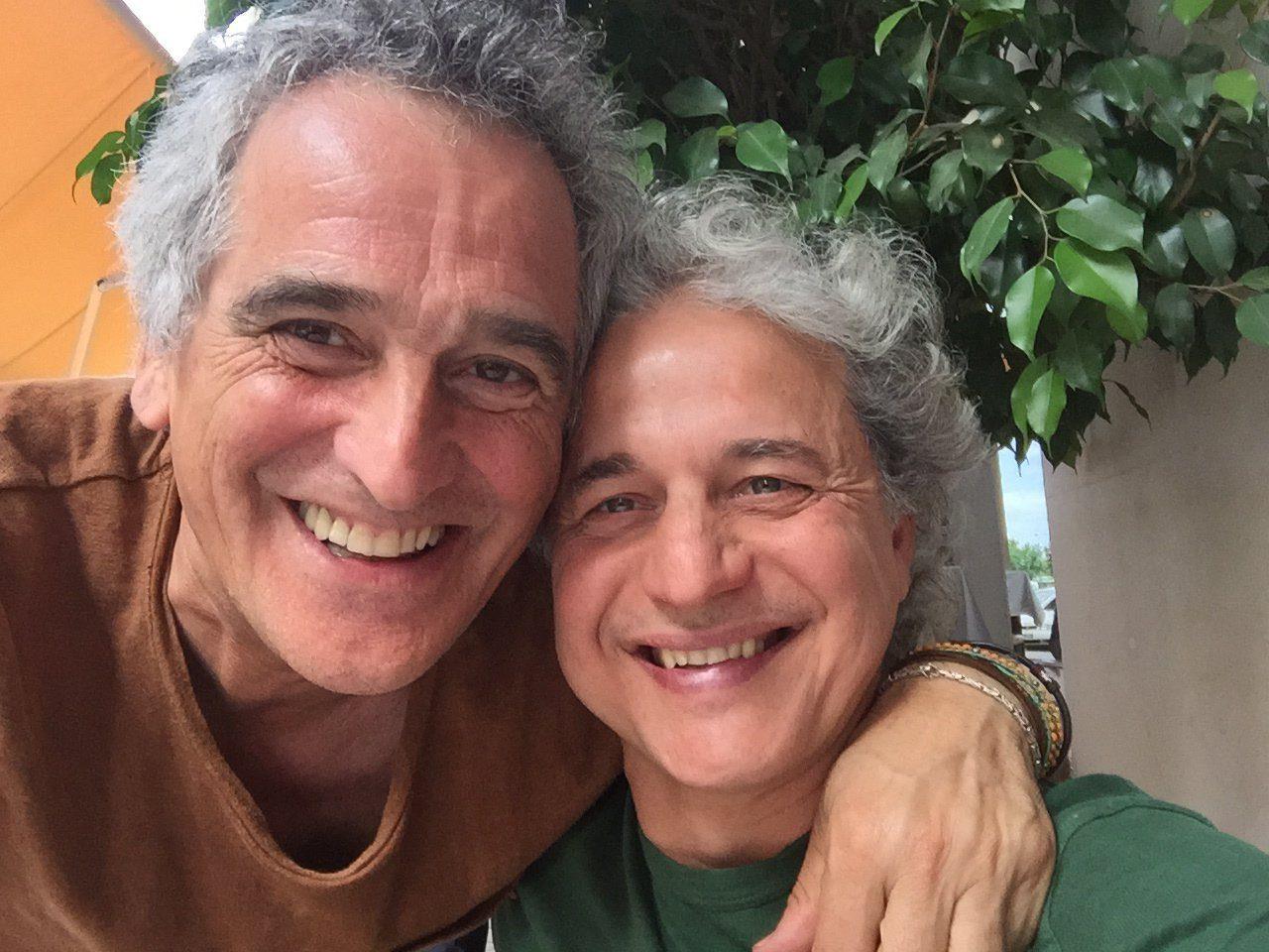2015 Carlos y J. Carlos