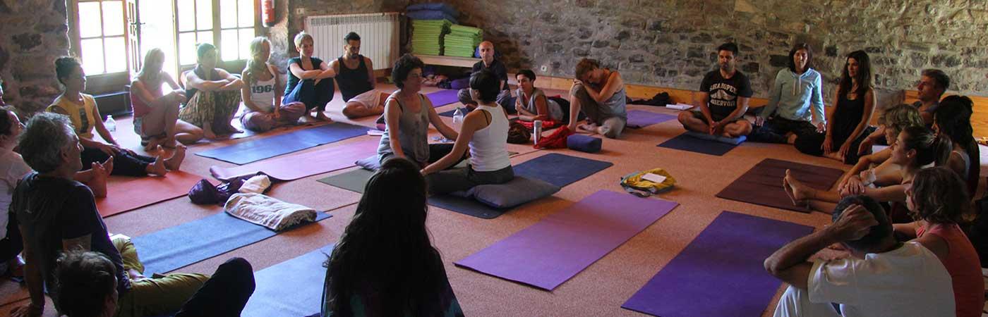 grupo-yoga-sadhana